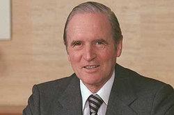 Dr Karl Carstens