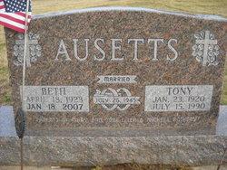 Tony Ausetts