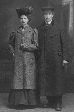 Lillian Pearl <I>Galloway</I> Knox