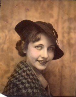Betty Jo <I>Renshaw</I> Hecker