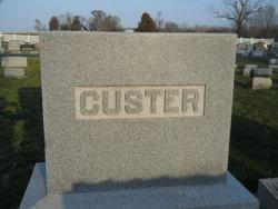 Iva Marie <I>Hiatt</I> Custer