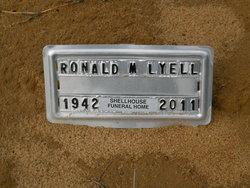 Ronald M Lyell