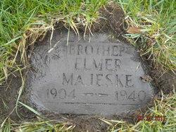 Elmer W Majeske