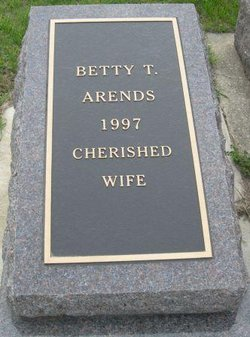 Betty <I>Tychon</I> Arends
