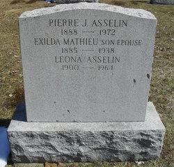 Leona Asselin