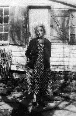 Clara Lavenia Price