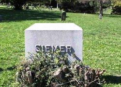 """Gerhard """"George"""" Siemer"""