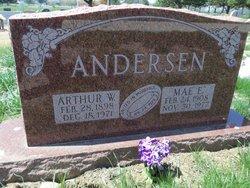 Mae Evelyn <I>Petersen</I> Andersen