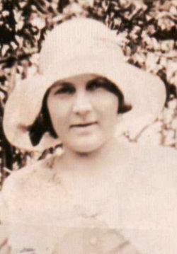 Mae Elizabeth <I>McKenzie</I> Wade