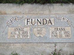 Annie Funda
