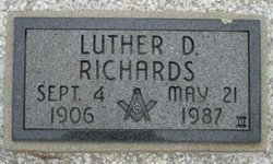 Luther D Richards