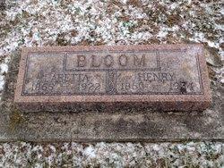 """Laretta """"Retta"""" <I>Decker</I> Bloom"""