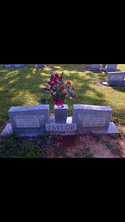 Mary Ruth <I>Shoemaker</I> Taylor