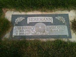 Lois <I>Houtz</I> Behrmann