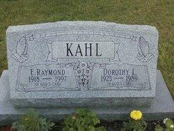 Dorothy L. <I>Stoughten</I> Kahl
