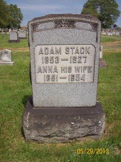 Anna Stack