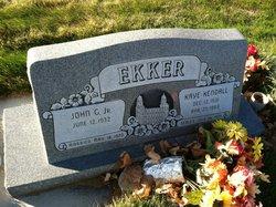 Kaye <I>Kendall</I> Ekker