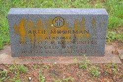 Artie R Moorman