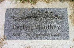 Evelyn Elizabeth <I>Hellickson</I> Manthey