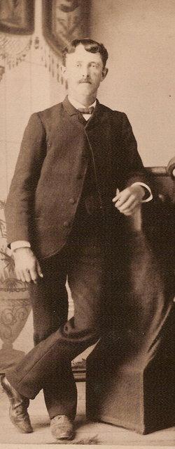Eugene Julian Looze