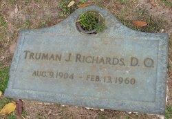 Dr Truman J Richards