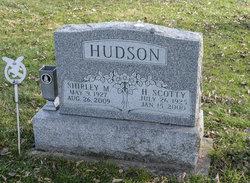 Shirley Marie <I>Knitter</I> Hudson