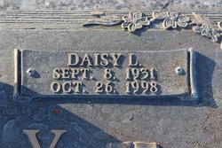 Daisy L Lundy