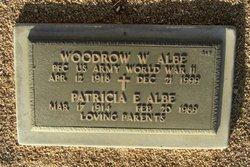 Woodrow W Albe