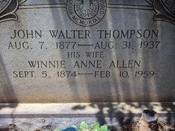"Winnie Anne ""Sis"" <I>Allen</I> Thompson"