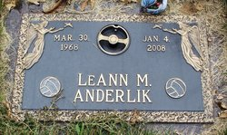 LeAnn M Anderlik