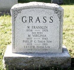 Lester E Grass