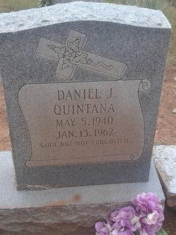 Daniel J Quintana