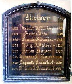 Augusta <I>Kaiser</I> Bramstedt