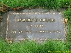 Robert E. Groth