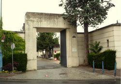 Saint-Denis-sur-Seine Communal Cemetery