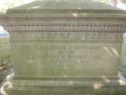 Mary Alice <I>Debaker</I> Hoyt