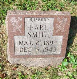 Earl Smith
