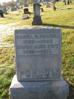 Daniel R Purdum