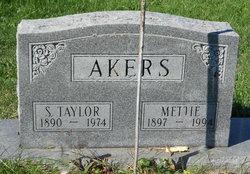 "Almettie P. ""Mettie"" <I>Simmons</I> Akers"