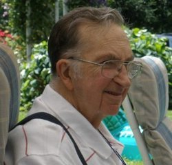 Paul W Hoadley, Sr