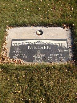 Kerry N Nielsen