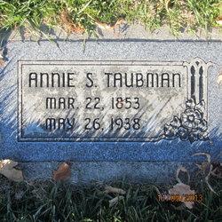 Annie Taubman