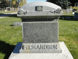 George W Richardson