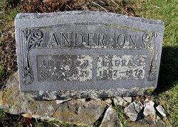 Laura J <I>Elliott</I> Anderson