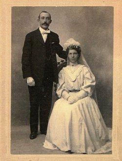 Esther Leontina <I>Dahlberg</I> Lind