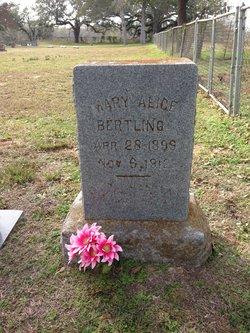"Mary Alice ""Sis"" Bertling"