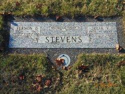 """Vernon Dale """"Maggie"""" Stevens"""