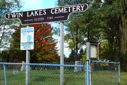 Twin Lakes Cemetery