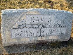 Clara Ellen <I>Larson</I> Davis