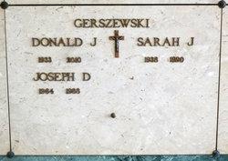 Sarah J. Gerszewski